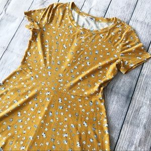 Short Sleeve Huhot Day Dress in Mustard Yellow